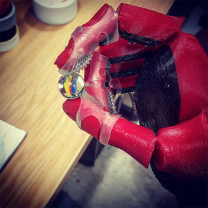 3D-printed-open-bionics-prosthetic-hand-with-grips